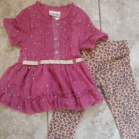 3/$10.. 18 months outfit